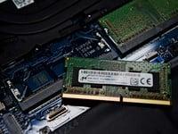 Cómo actualizar e instalar RAM en una computadora portátil