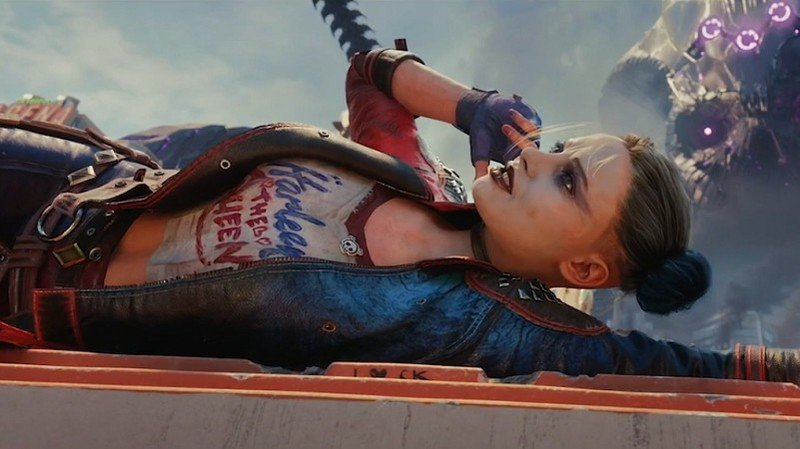 Escuadrón Suicida mata a la Liga de la Justicia Harley Quinn