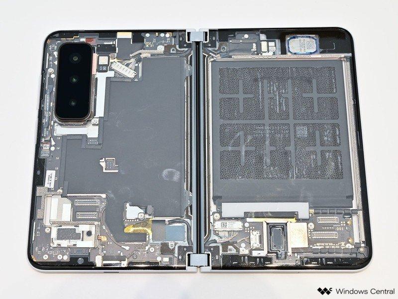 Surface Duo 2 en el interior